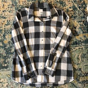 Gap fitted boyfriend gray and white button up